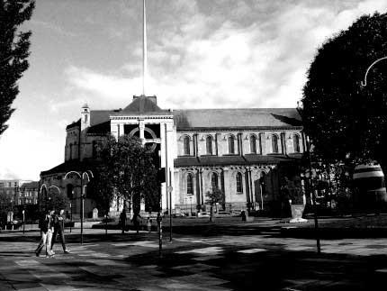 12_BELFAST_photography_photograph_love_-peace_art_church_city_urban_Ireland_-Lise_Mc_Greevy