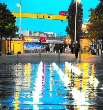 2_BELFAST_photography_photograph_love_-peace_art_Northern_Ireland_-Lise_Mc_Greevy
