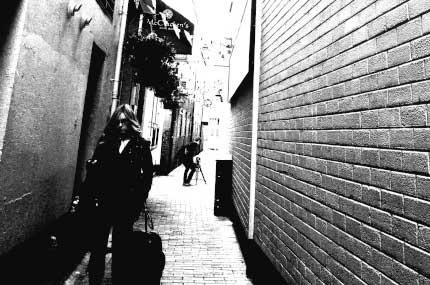2_BELFAST_photography_photograph_love_-peace_art_city_bar_history_Northern_Ireland_-Lise_Mc_Greevy