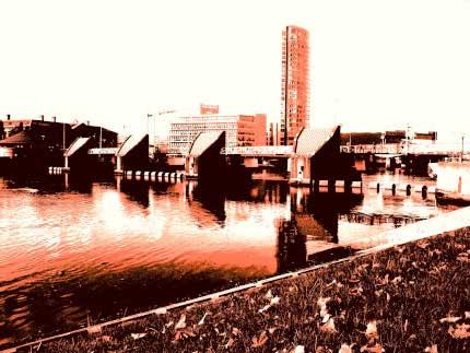 33_BELFAST_photography_photograph_love_-peace_art_Northern_Ireland_-Lise_Mc_Greevy